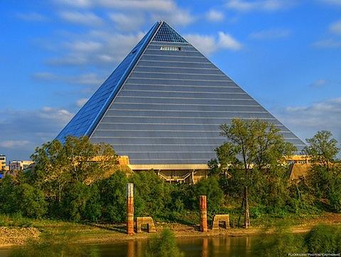 memphis_pyramid_2010_02_09.jpg