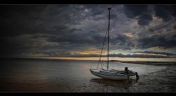 sailing_into_a_storm_2010_02_09.jpg